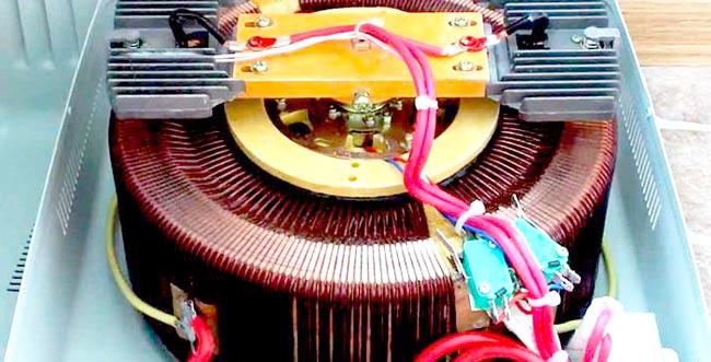 Что внутри у электромеханического стабилизатора